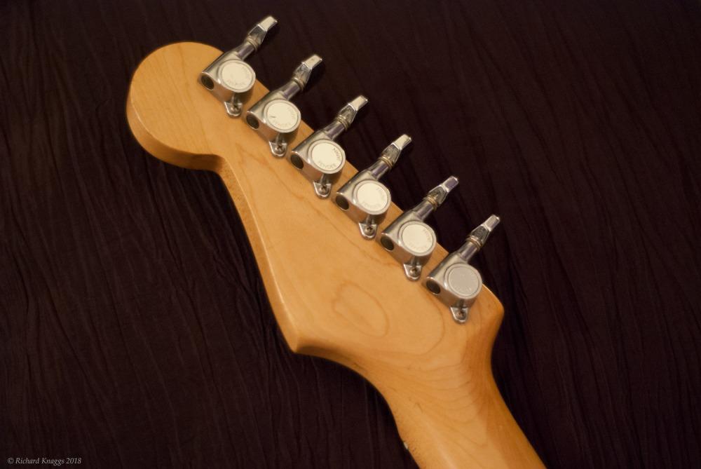 fender-stratocaster-4